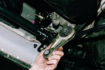 Замена передней опоры двигателя